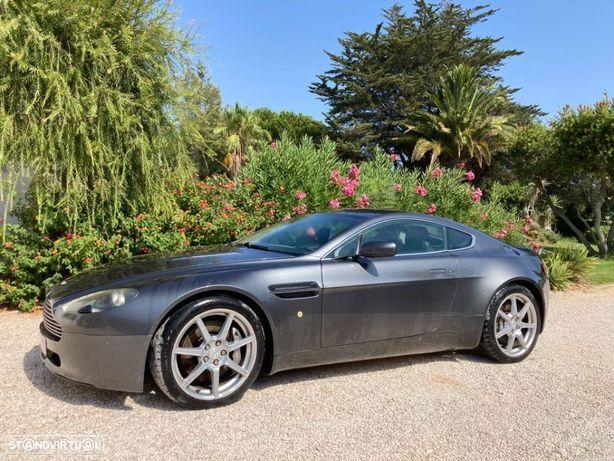 Aston Martin Vantage Coupe V8