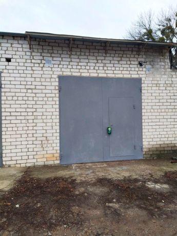 Продам капитальный гараж возле м. Армейская