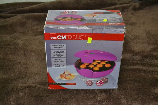 Продам кексницу Clatronic CPM 3529