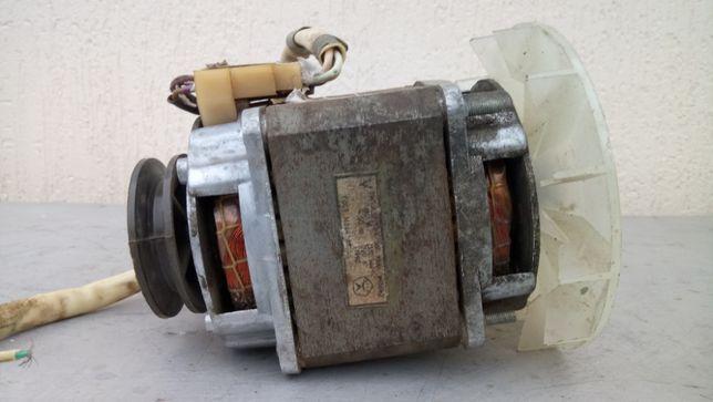 Двигун від стиральної машини