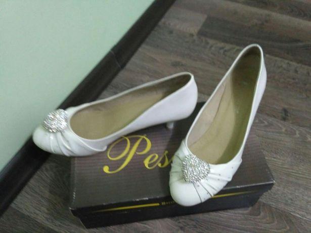 Продам оригинальные свадебные туфельки