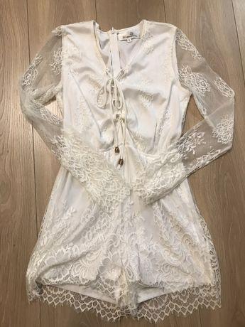elegancki biały kombinezon koronkowy