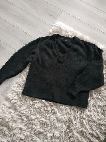 Sweter Zara w serek oversize