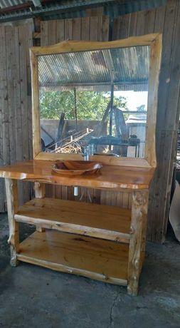 Móvel e pia em madeira c/ espelho - Casa de Banho