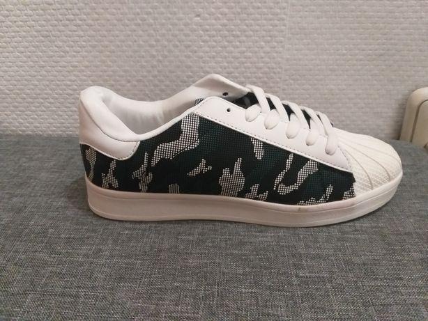 Nowe buty   39 w moro