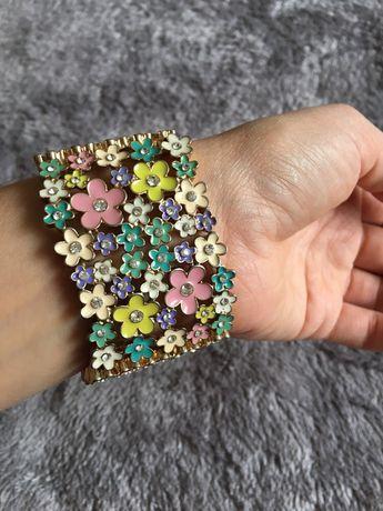 Яскравий і стильний браслет