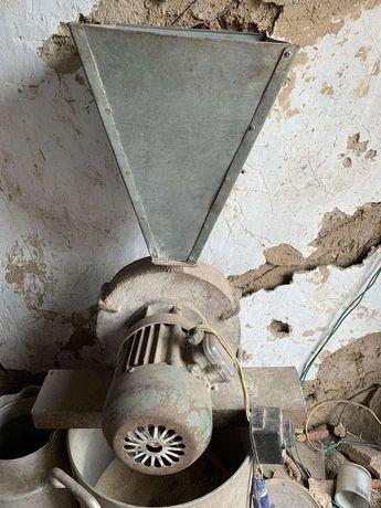 Зернодробилка, мельница