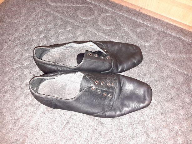 Продам танцевальные бальные туфли