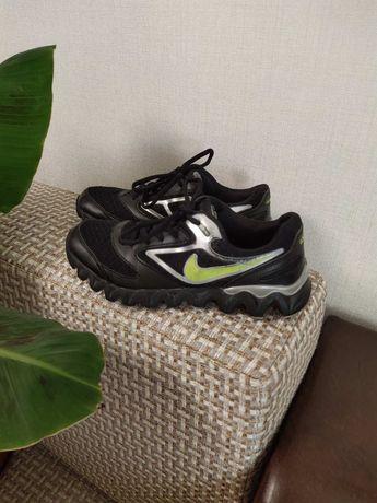 Красивые кроссовки! 35-36 размер