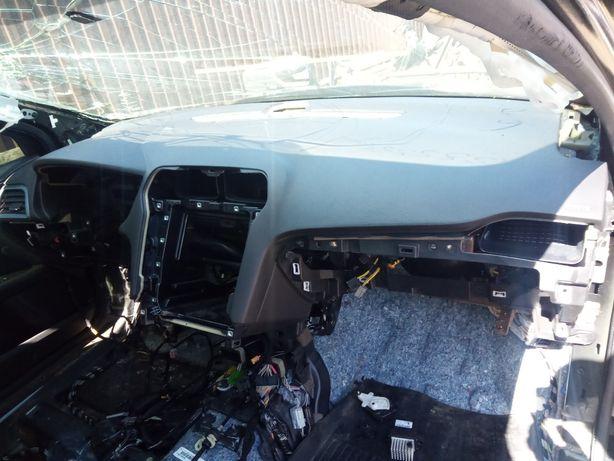 Торпеда панель приборов с подушкой безопастности пассажира Ford Fusion