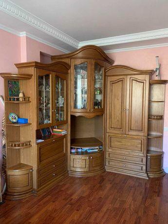 Комплект мебели: шкаф и трюмо