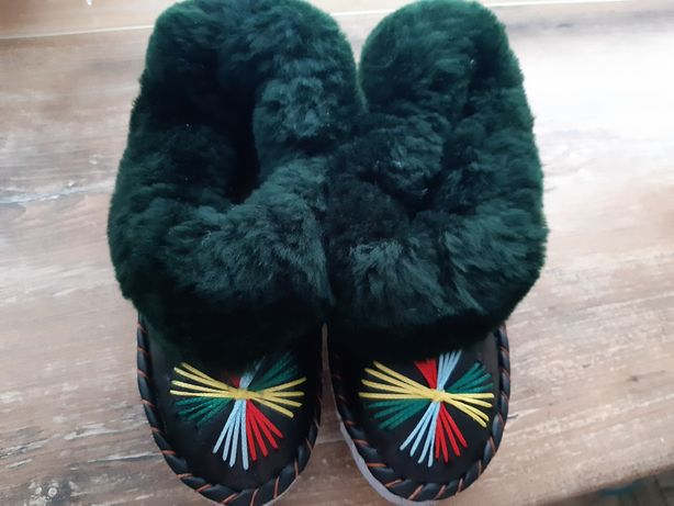 Теплі чуні, взуття домашнє