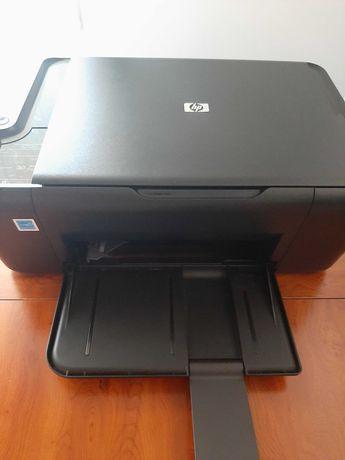 Impressora multifunções 3 em 1 da marca HP. Fotocopia e digitaliza.