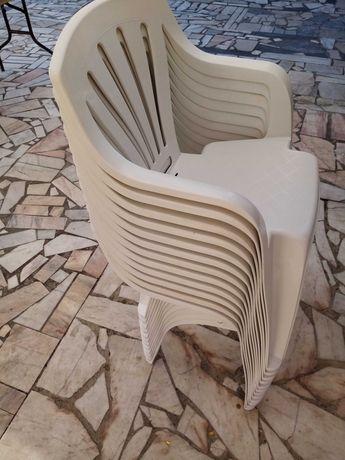 12 cadeiras de esplanada brancas novas