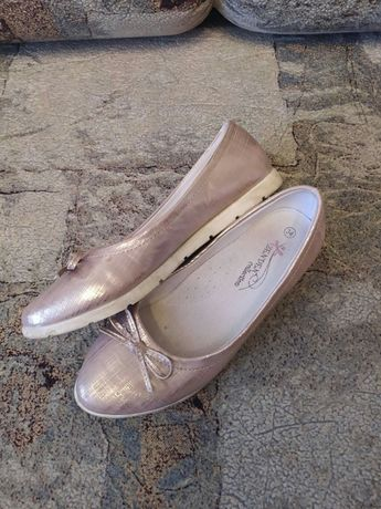 Продам балетки на девочку р-р 34
