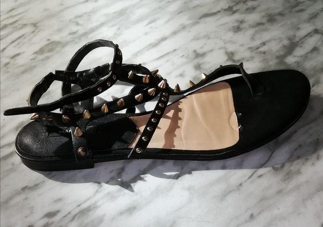 Sandálias com Spikes - Mango