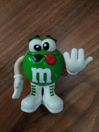 Boneco da M&M's verde