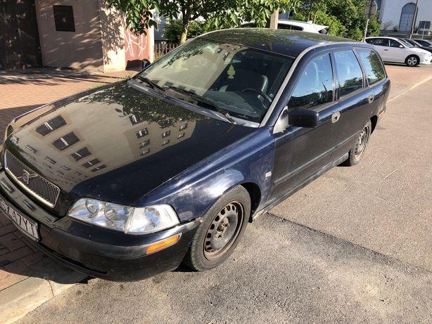 Volvo v40 1.9 115KM 2001r
