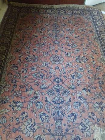 Післячоєнний килим