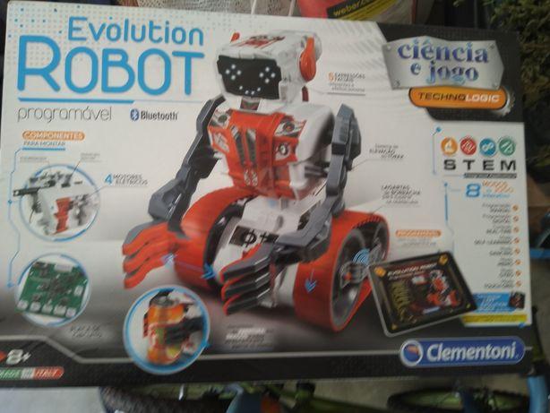 Robot com comunicação bluetooth