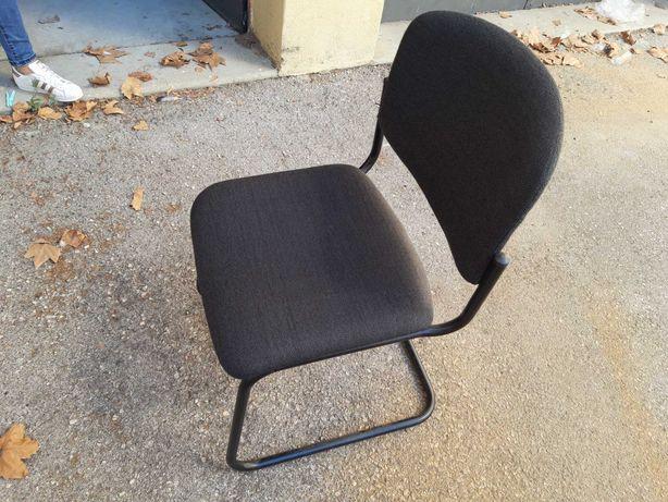 30 cadeiras novas, ideais para escritórios, em armazém, 11€ a unidade
