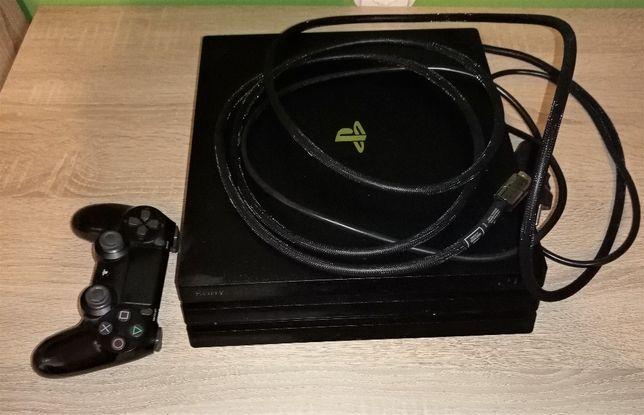 Sprzedam Konsola PS 4 Pro 1TB