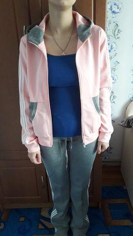 Спортивный костюм для девушки размер 46р.М.