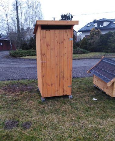 Toaleta ogrodowa drewniana