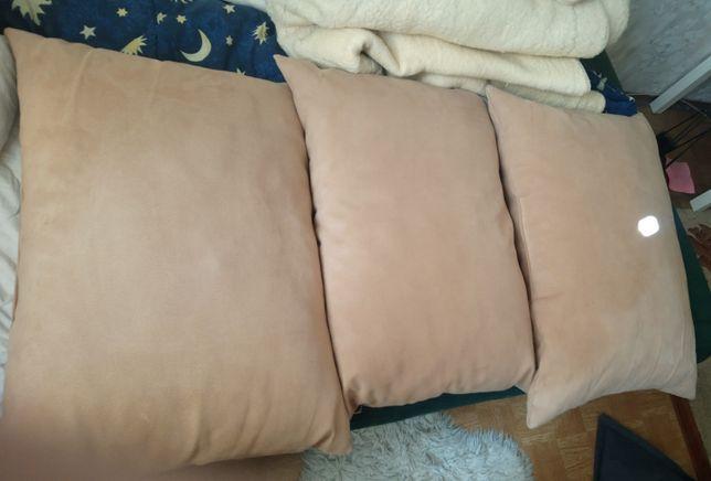 Poduszki duże 3 szt. + mniejsze 2 szt.