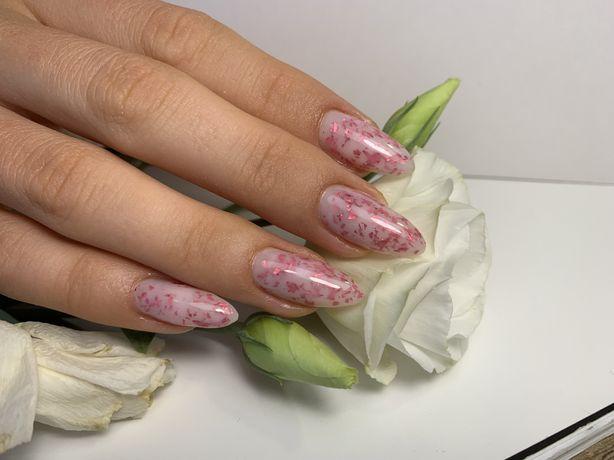 Маникюр Оболонь педикюр наращивание ногтей