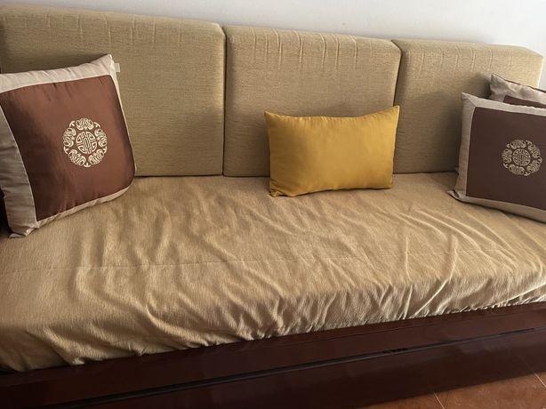 Sofá cama + 2 individuais
