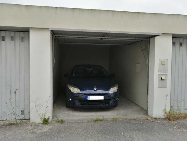 Garagem Zona Industrial Marinha Grande