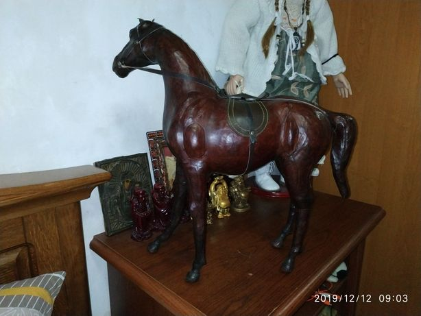 Лошадь, конь из кожи статуэтка, сувенир, подарок