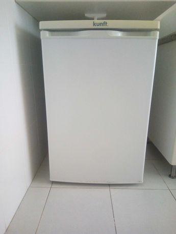 Frigorífico c/congelador KUNFT (Estático - 85 cm - 118 L - Branco)