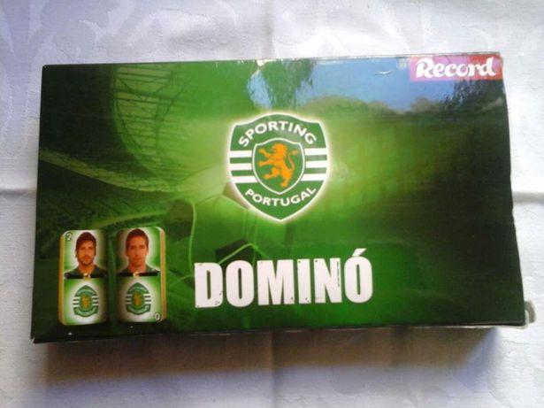 Dominó do Sporting Clube de Portugal (SCP) com 28 peças