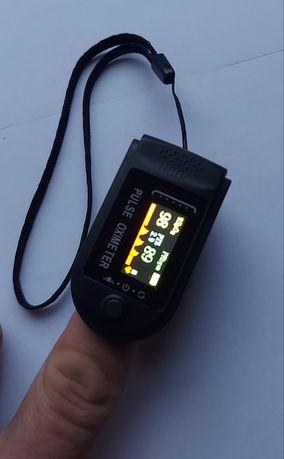 Pulsoksymetr medyczny! Do pomiaru saturacji oraz tętna! CE! Dostępne!
