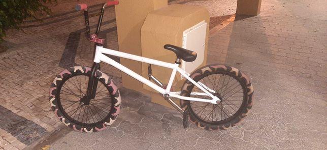 BMX roda 20, peneus vans & cult