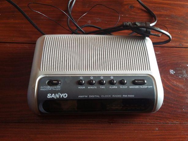 Rádio despertador Sanyo