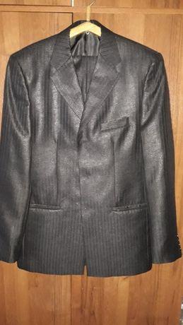 продам мужской костюм 48-182