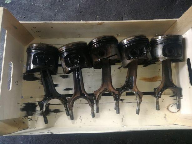 Tłok + korbowód BMW 7 E32 3.0 R6