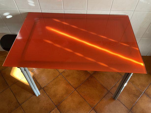 Mesa de cozinha em vidro
