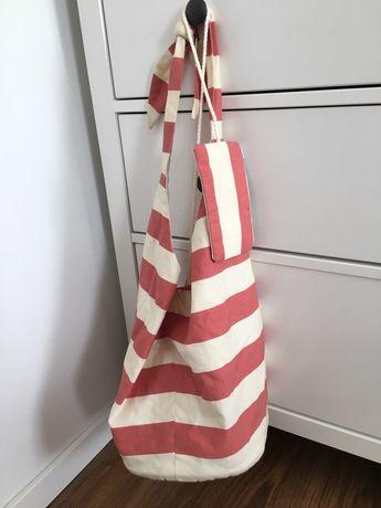 Płócienna torba na ramię idealna na lato