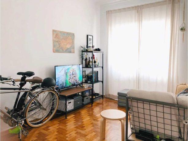 Apartamento em Cacilhas, Almada, frente ao Tejo, a 300m cacilheiros
