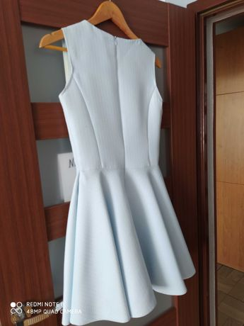 Sukienka błękitna 38