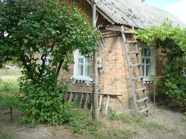Продам 27 соток, старый дом в Гуровщине ул.Киевская рядом с трассой