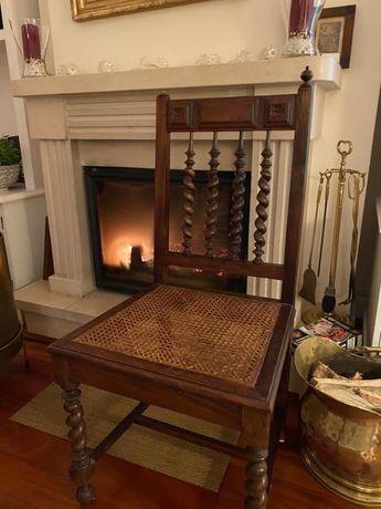 Cadeira em madeira e palhinha