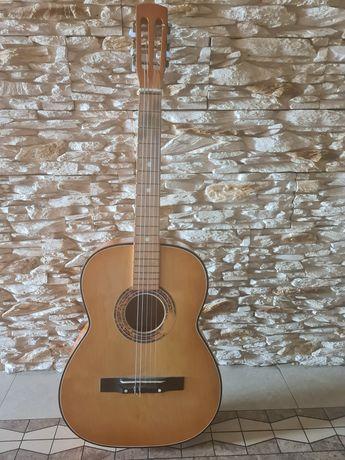 Gitara ,instrument