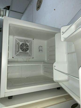 Міні холодильник LIEBHERR б/в з Німеччини. Київ. Доставка. Гарантія.