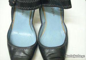 Sapatos pele cor preto N. 37 - Bom estado