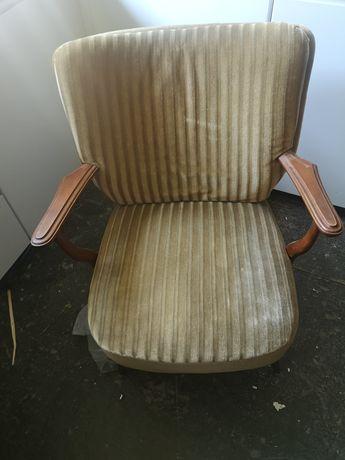 Fotel uszak używany